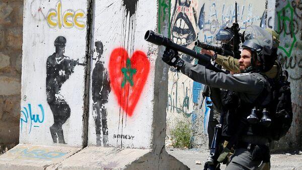 Bờ Tây sông Jordan. Lính Israel trong cuộc đụng độ với người Palestine tại  thành phố Bethlehem. - Sputnik Việt Nam