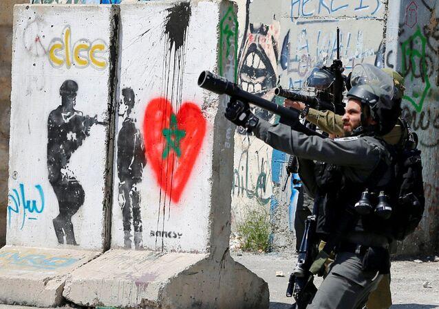 Bờ Tây sông Jordan. Lính Israel trong cuộc đụng độ với người Palestine tại  thành phố Bethlehem.