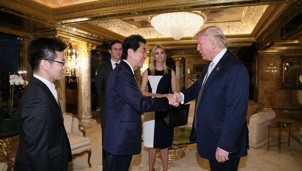 Thủ tướng Abe và Tổng thống Trump - Sputnik Việt Nam