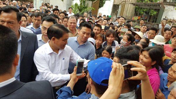 Trong buổi đối thoại với Chủ tịch UBND TP Hà Nội, người dân xã Đồng Tâm đã đề nghị thay Phó đoàn thanh tra - Sputnik Việt Nam