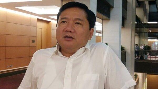 Ông Đinh La Thăng trong một lần trả lời báo chí bên lề kỳ họp thứ 9 Quốc hội khóa XIII. - Sputnik Việt Nam