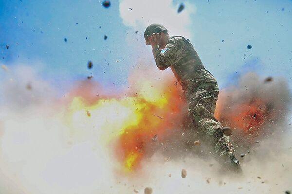 Afghanistan. Sự cố trong cuộc huấn luyện quân đội đã làm tử vong 4 binh sĩ địa phương. - Sputnik Việt Nam