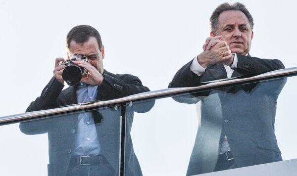 ... Còn Thủ tướng Nga Dmitry Medvedev nổi tiếng là nhiếp ảnh gia nghiệp dư khá sáng giá. - Sputnik Việt Nam