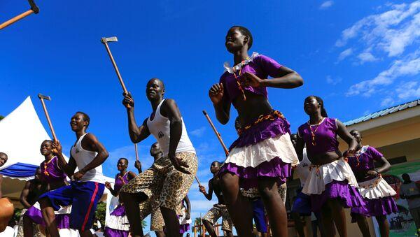 Uganda. Điệu nhảy truyền thống Phi châu. - Sputnik Việt Nam