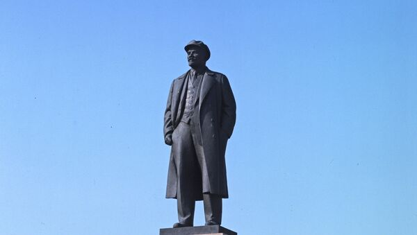 Памятник В. И. Ленину в Чебоксарах - Sputnik Việt Nam