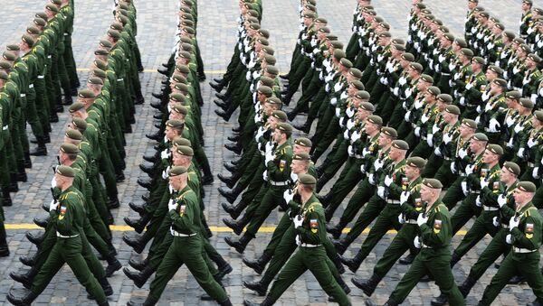 Những người lính trong cuộc diễu binh trên Quảng trường Đỏ kỷ niệm 72 năm Chiến thắng Chiến tranh Vệ quốc Vĩ đại (1941-1945) - Sputnik Việt Nam