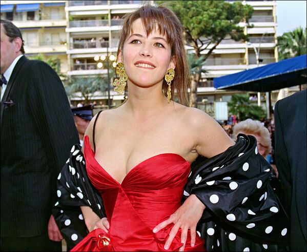 Nữ diễn viên Sophie Marceau tại Liên hoan phim Cannes năm 1992. - Sputnik Việt Nam