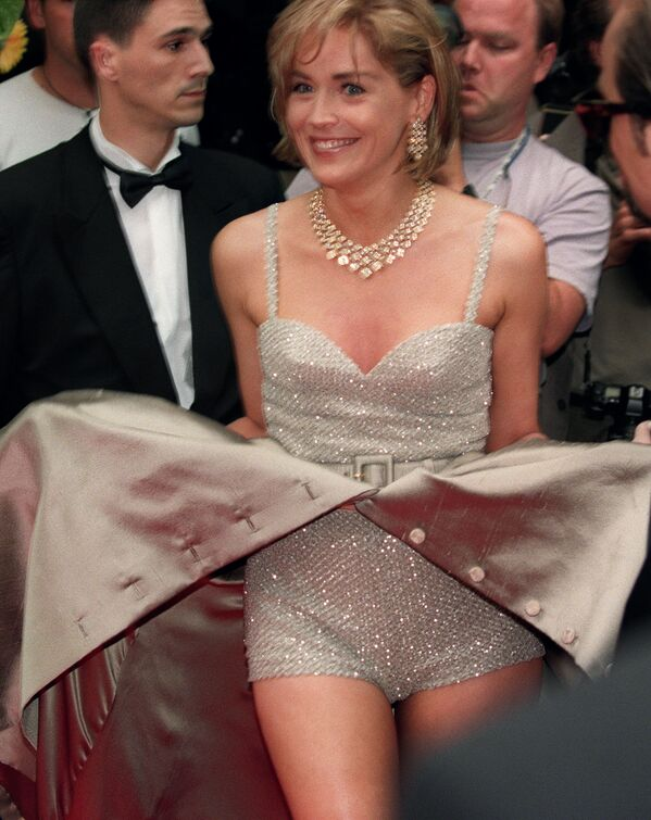 Ngôi sao điện ảnh Mỹ Sharon Stone tại buổi trình chiếu phim Mở rộng tại Cannes. Năm 1995. - Sputnik Việt Nam