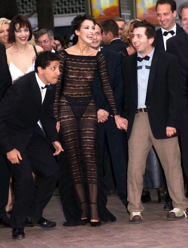 Các diễn viên Pháp Smain (trái) và Michel Muller (phải) tại Cannes lần thứ 52 năm 1999. - Sputnik Việt Nam