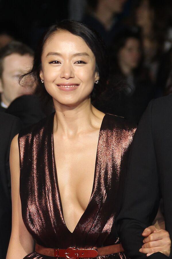 Nữ diễn viên Hàn Quốc Jeon Do-yeoun tại Liên hoan phim Cannes thứ 63 năm 2010. - Sputnik Việt Nam