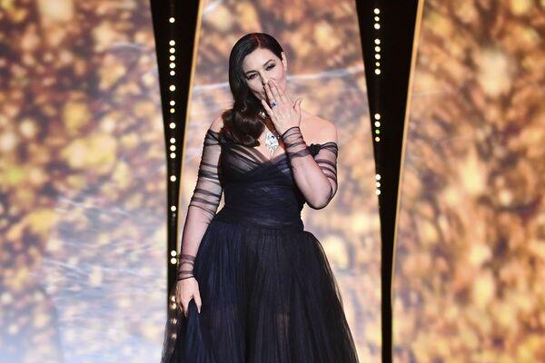 Ngôi sao điện ảnh Ý Monica Bellucci tại lễ khai mạc Liên hoan phim Cannes. - Sputnik Việt Nam