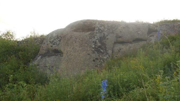 Cự thạch Quái thú Griffon chiều dài 5,9 m và chiều cao hơn 2,5m - Sputnik Việt Nam