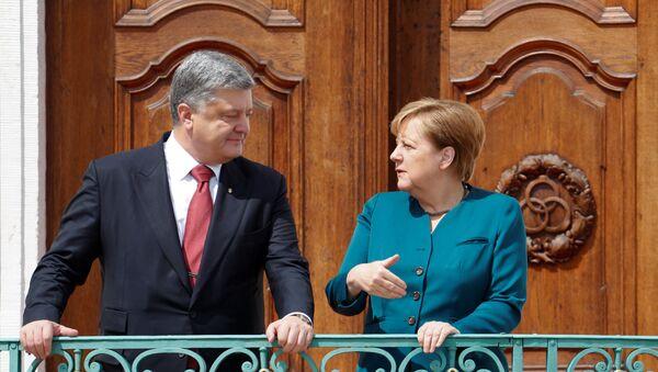 Ông Poroshenko và bà Merkel - Sputnik Việt Nam