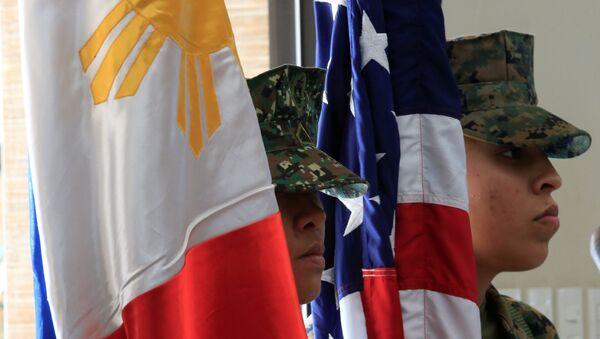 hai cờ Philippines và Mỹ - Sputnik Việt Nam
