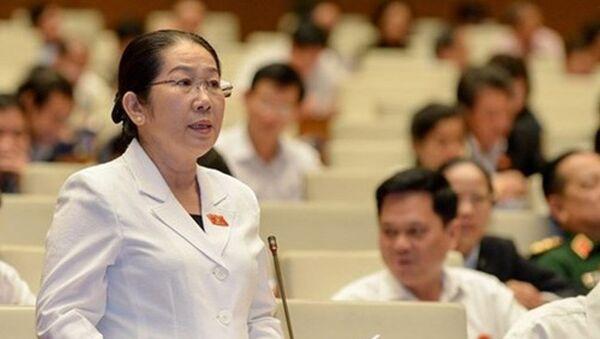 Đại biểu Võ Thị Dung (đoàn TP. Hồ Chí Minh) chỉ rõ nỗi lo giặc ngoại xâm là Trung Quốc xâm phạm chủ quyền Việt Nam - Sputnik Việt Nam