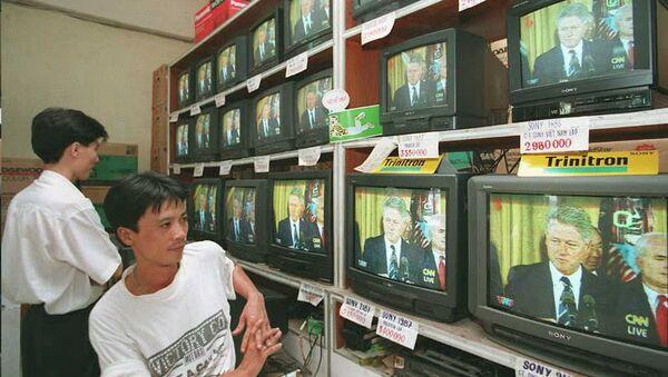 Người Việt xem tv - Sputnik Việt Nam