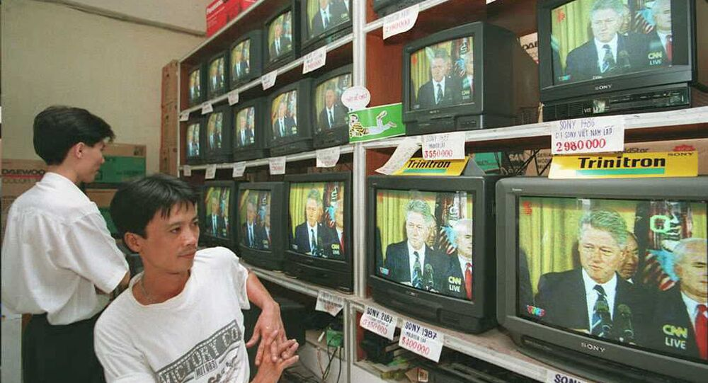 Người Việt xem tv
