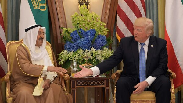 Tổng thống Mỹ Donald Trump cùng vua Salman bin Abdulaziz Al Saud của Saudi Arabia tại cung Al Murabba ở Riyadh. 20 tháng 5 năm 2017 - Sputnik Việt Nam