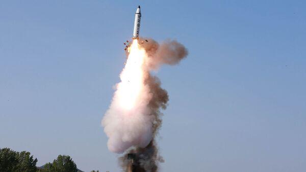 Тестовый пуск северокорейской ракеты Pukguksong-2 - Sputnik Việt Nam