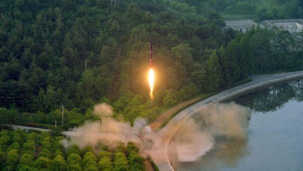 Một vụ phóng thử tên lửa của Triều Tiên - Sputnik Việt Nam