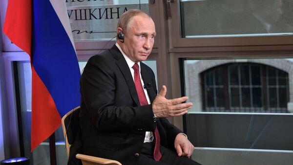 Vladimir Putin trả lời phỏng vấn của tờ báo Pháp Le Figaro - Sputnik Việt Nam