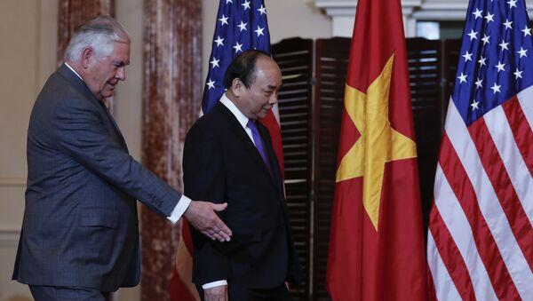 Ngoại trưởng Mỹ Rex Tillerson tiếp Thủ tướng Nguyễn Xuân Phúc ở Washington, DC - Sputnik Việt Nam