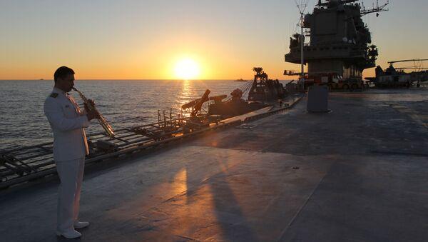Tuần dương hạm hạng nặng chở máy bay  Đô đốc Kuznetsov ở Biển Địa Trung Hải. - Sputnik Việt Nam