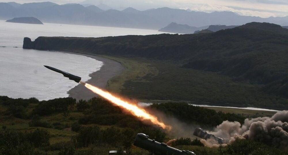 """Cực hiếm khoảnh khắc tên lửa P-35B Việt Nam """"cất cánh"""""""