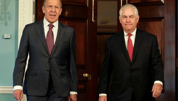 Ngoại trưởng Nga Sergei Lavrov và Ngoại trưởng Mỹ Rex Tillerson - Sputnik Việt Nam