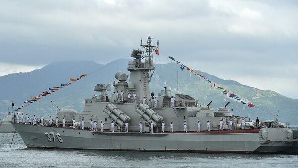 Tàu tên lửa Molniya 1241.8 số hiệu 376 của Hải quân nhân dân Việt Nam - Sputnik Việt Nam
