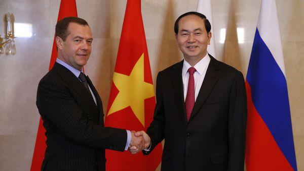 TThủ tướng Nga Dmitry Medvedev gặp Chủ tịch Việt Nam Trần Đại Quang ở Matxcơva. - Sputnik Việt Nam