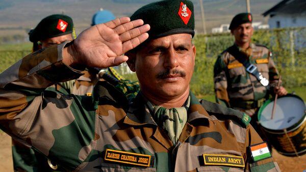 Военнослужащие ВС Индии на церемонии открытия Российско-индийских учений Индра-2016  - Sputnik Việt Nam