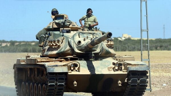 Турецкие военные на танке. Архивное фото - Sputnik Việt Nam