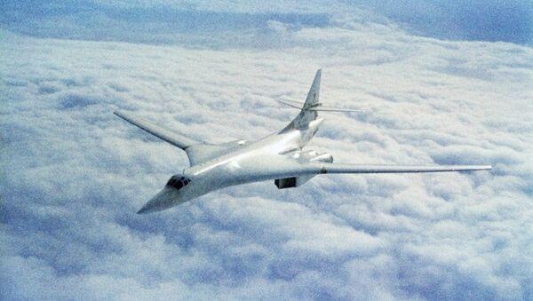 Máy bay ném bom chiến lược Tu-160 - Sputnik Việt Nam