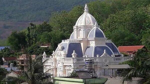 Biệt thự kiểu châu Âu xa hoa được đồn là của ông Hoàng Quốc Khánh - Chủ nhiệm Ủy ban Kiểm tra Sơn La. - Sputnik Việt Nam