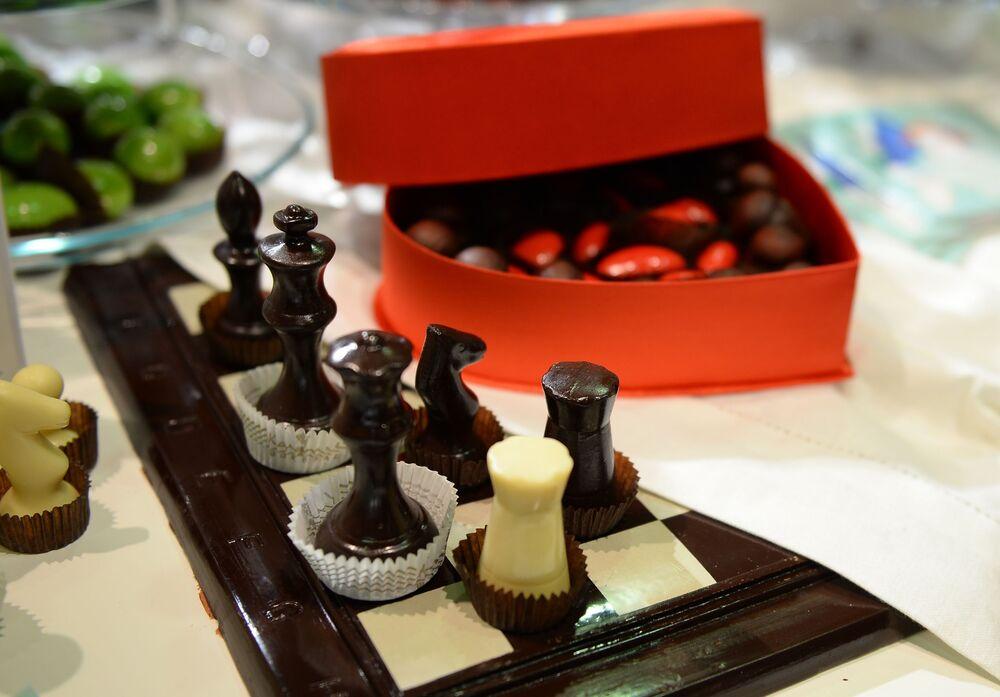 Sản phẩm nhà máy kẹo Konfael tại lễ khai mạc Moscow Salon du Chocolat ở  Trung tâm triển lãm Expocentre
