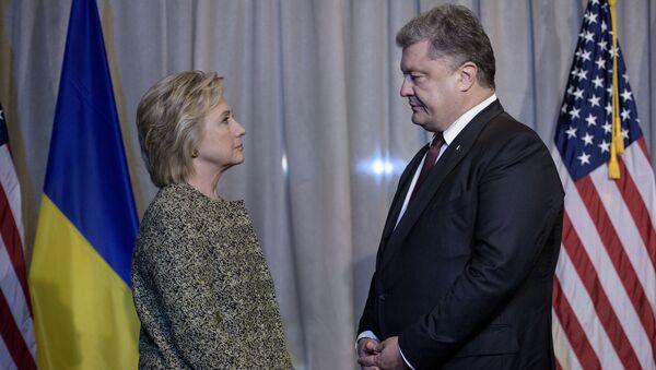 Hillary Clinton và Pyotr Poroshenko - Sputnik Việt Nam