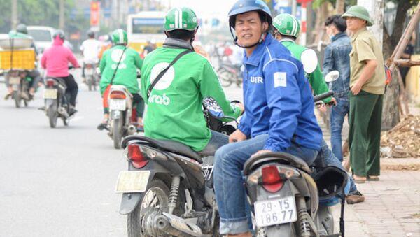 Hà Nội là địa phương nằm trong đề án thí điểm của Uber, Grab.  - Sputnik Việt Nam