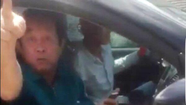 Ông Bảy Liêm bị cho là người lớn tiếng xúc phạm cảnh sát giao thông. - Sputnik Việt Nam