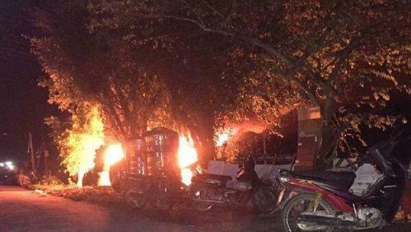 Chiếc xe ô tô bị đốt trụi - Sputnik Việt Nam