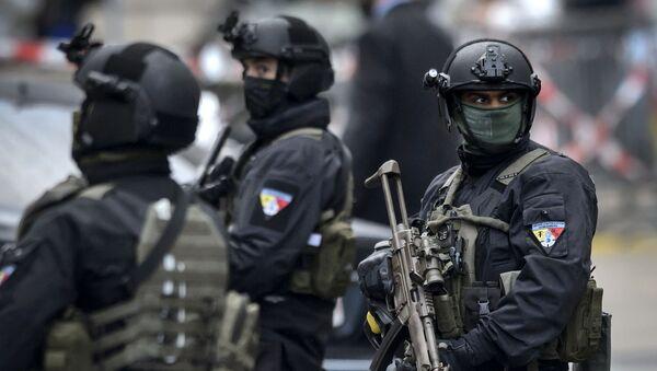 Представители швейцарской полиции - Sputnik Việt Nam