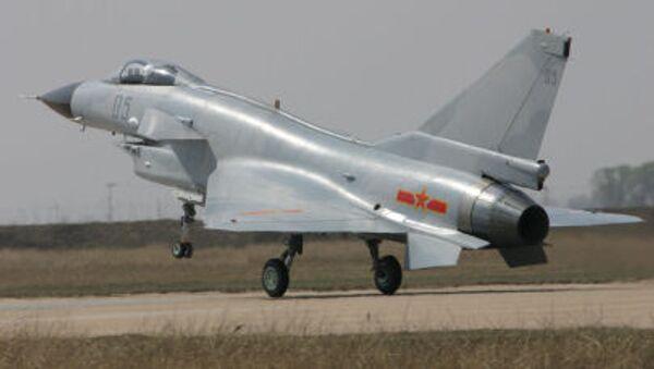 Китайский всепогодный многоцелевой истребитель Чэнду J-10 - Sputnik Việt Nam