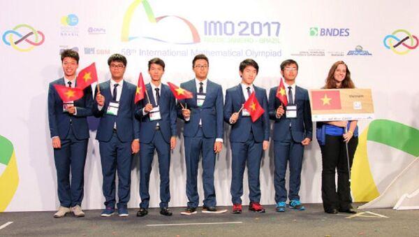 6 thí sinh đội tuyển quốc gia Việt Nam đều giành huy chương tại kỳ thi Olympic Toán học quốc tế 2017 - Sputnik Việt Nam