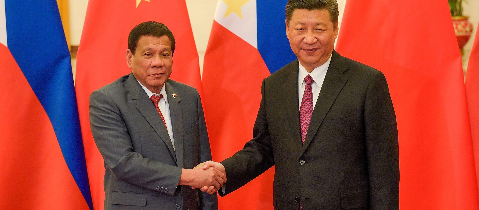 Tổng thống Philippines Rodrigo Duterte và Chủ tịch Trung Quốc Tập Cận Bình  - Sputnik Việt Nam, 1920, 23.08.2019