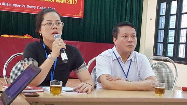 Bà Vũ Mai Khanh - Chủ tịch UBND phường Văn Miếu nhận trách nhiệm về vụ việc đáng tiếc xảy ra tại phường - Sputnik Việt Nam
