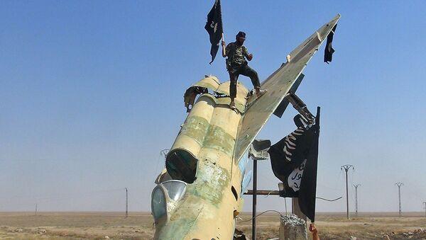 Chiến binh IS (Daesh) - Sputnik Việt Nam