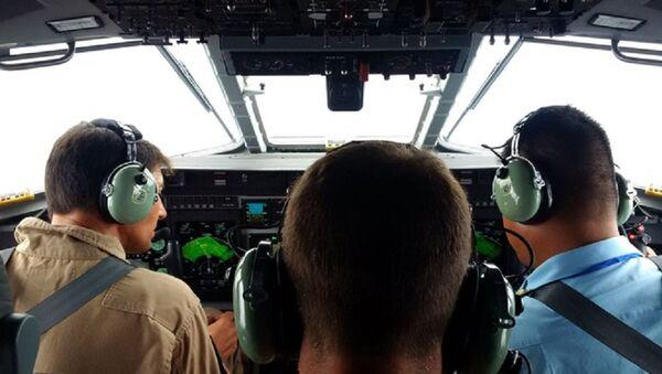 Phi công Việt Nam bay trên máy bay tuần tra săn ngầm C-295 MPA - Sputnik Việt Nam
