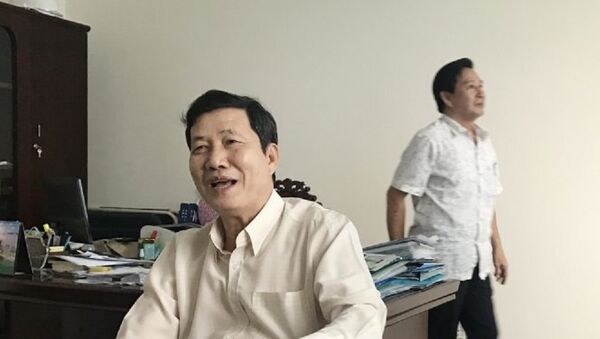 Ông Nguyễn Quốc Việt (trái), phó trưởng BCĐ Tây Nam bộ và ông Nguyễn Thanh Hải, nguyên chánh Văn phòng BCĐ Tây Nam bộ, hiện là phó chủ tịch Hội Bảo trợ bệnh nhân nghèo Tây Nam bộ - Sputnik Việt Nam