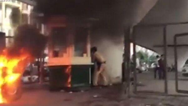 Đốt xe máy khi bị thổi phạt - Sputnik Việt Nam