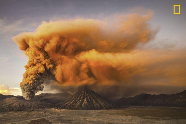 Reynold Riksa Dewantara. Mt. Bromo . Giải khuyến khích trong hạng mục Thiên nhiên - Sputnik Việt Nam